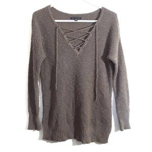 American Eagle Outfitters (AEO) Ladies Small Knit Sweater